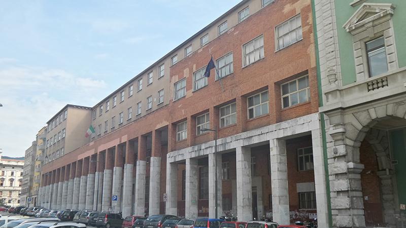 Il liceo ginnasio comunale i percorsi dell 39 irredentismo - Nuova portaerei italiana trieste ...